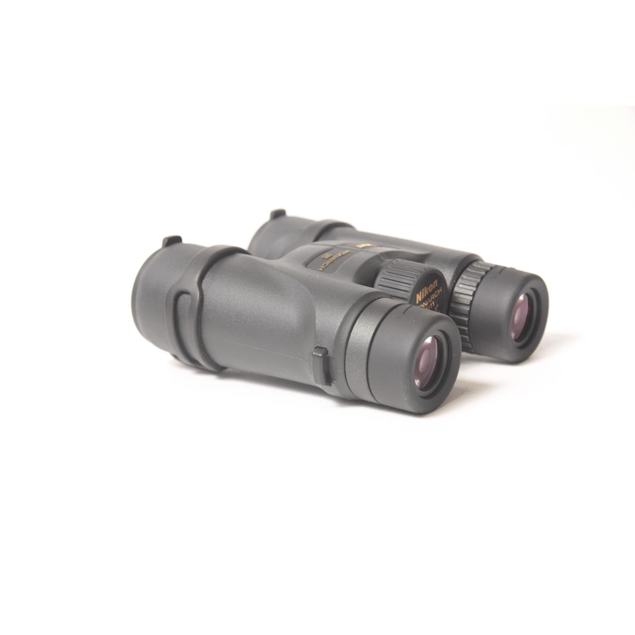 Бинокль Nikon Monarch 5 12х42